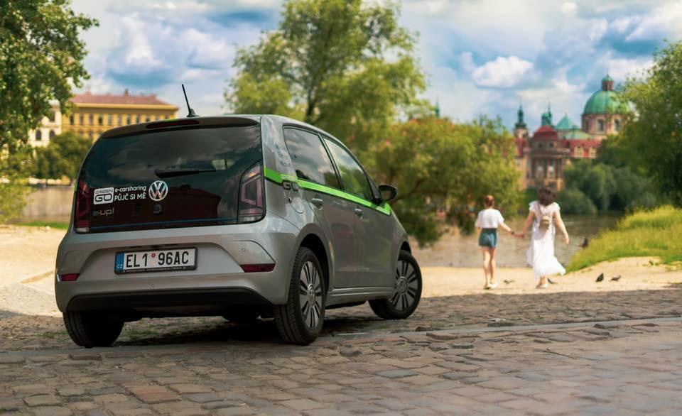 100% na elektřinu. Populární carsharing GreenGo s péčí od Europ Assistance